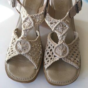 NEW LATIGO boho 1970s vibe macrame sandals tan